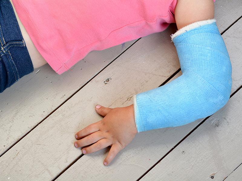骨折・脱臼の応急処置・リハビリ